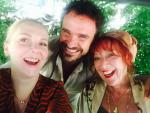 Anderson met Loes Luca en Jelka van Houten